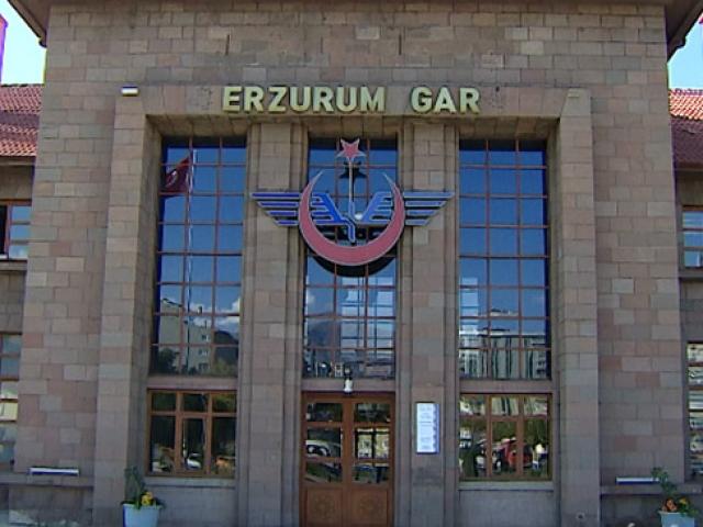 Erzurum Gar Müzesinde asırlık araçlar sergileniyor