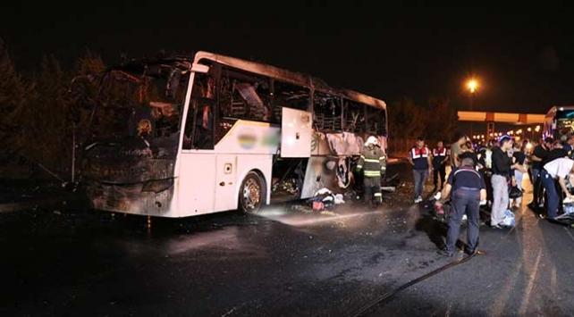 İzmirde seyir halindeki otobüste yangın çıktı