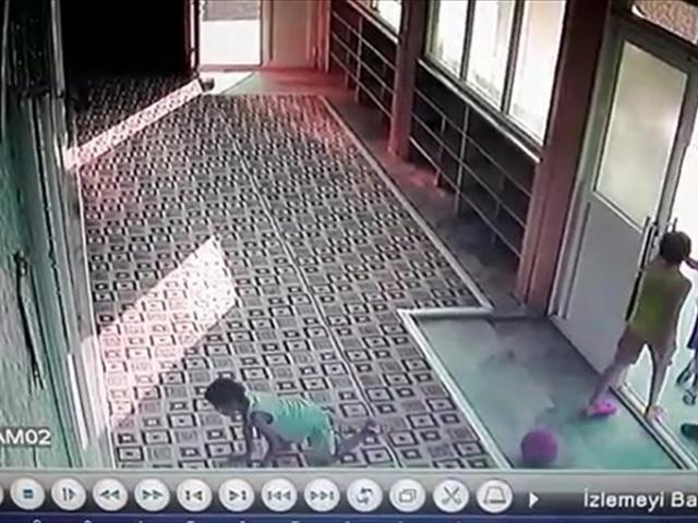 Mersinde 4 çocuğun buldukları parayı camiye bırakması takdir topladı