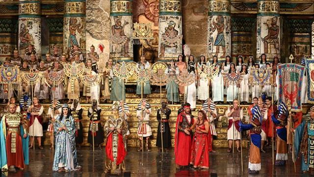 Aida Operası TRT 2'den canlı yayınla sanatseverlerle buluştu