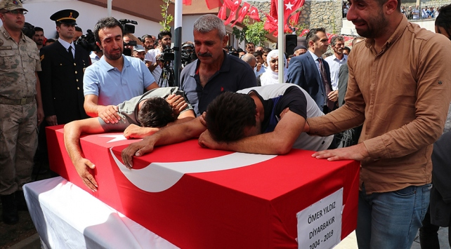 Diyarbakır'ın sivil şehitleri son yolculuklarına uğurlandı