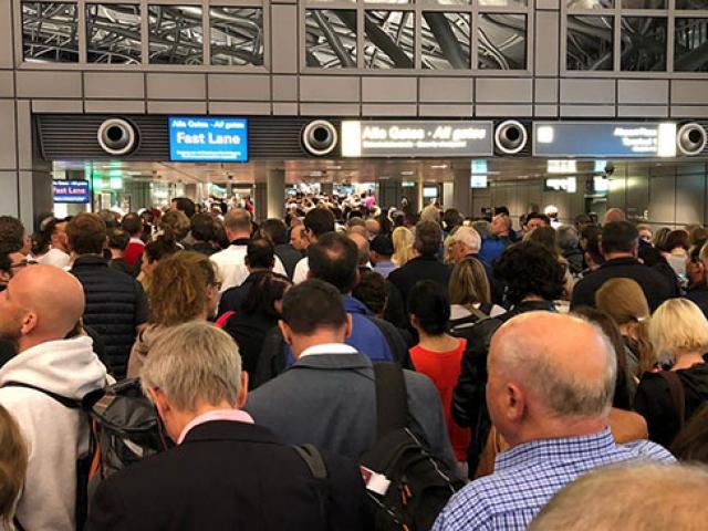 Hamburg Havalimanında güvenlik alarmı: Havalimanı boşaltıldı