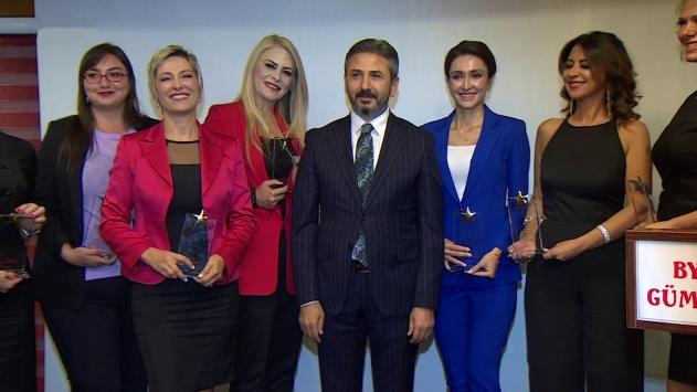 Gümüş Kariyer Ödülleri'nden 3'ü TRT spikerlerine verildi
