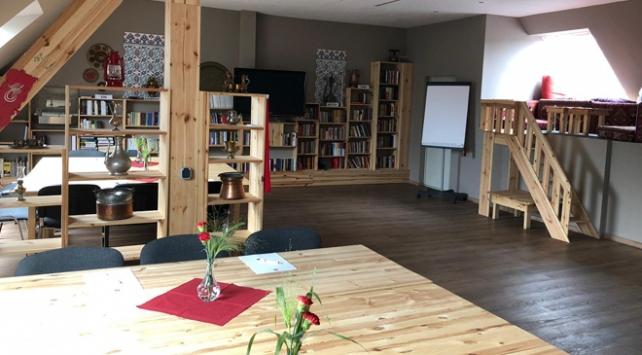YTB yeni kütüphanesini Kölnde açtı