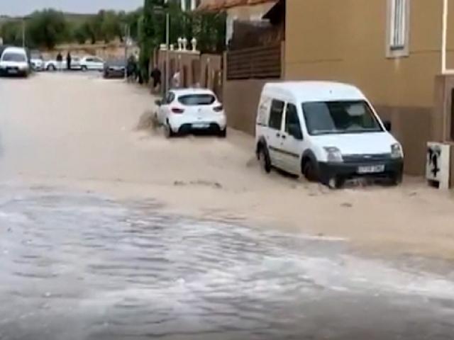 İspanya'da sel: Ölü sayısı 6'ya çıktı