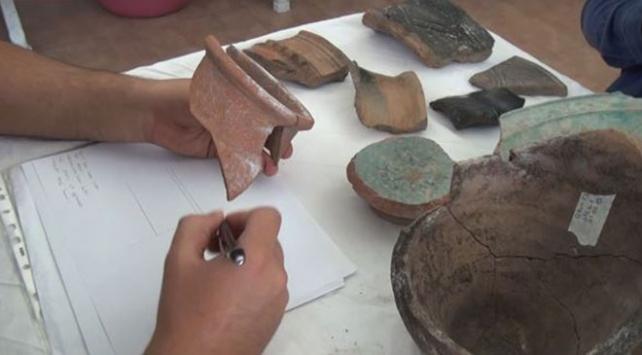 Ahlattaki kazılarda 5 bin yıllık seramikler keşfedildi