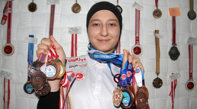 Milli kick boksçudan 3,5 yılda 15 madalya