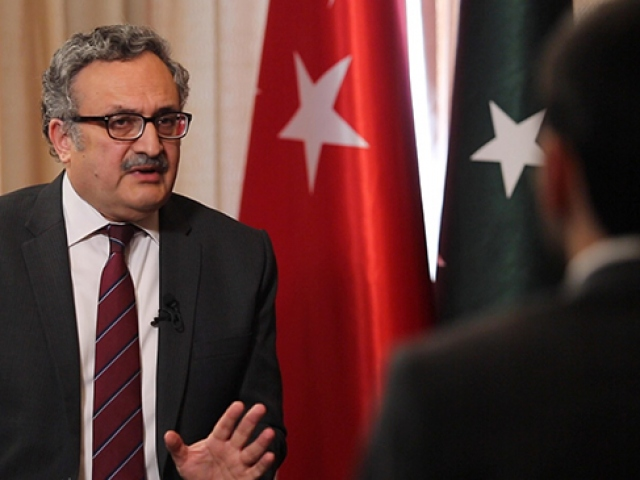 Pakistan'ın Ankara Büyükelçisi Qazi: Hindistan ateşle oynuyor