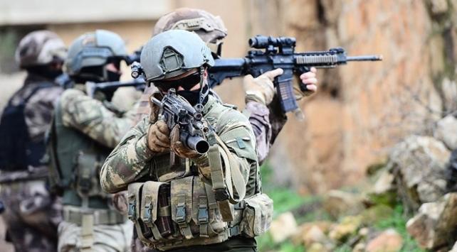 Hakkari kırsalında 2 terörist etkisiz hale getirildi