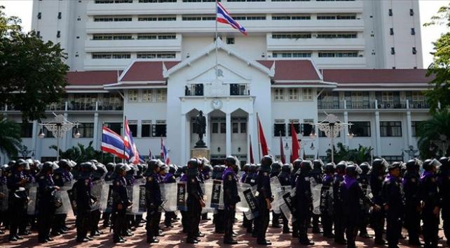 Taylandda polis Müslüman öğrencilerin şahsi bilgilerini topluyor