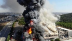Tuzladaki fabrika yangını kısmen kontrol altına alındı