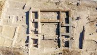 Van'da Urartu soylularının yaşadığı yapılar ayağa kaldırıldı