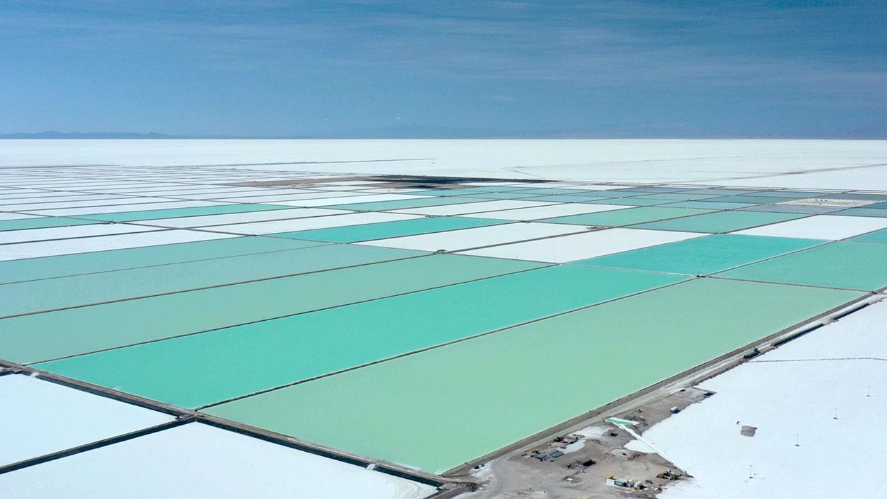 Bolivya lityum üretimini artırıyor