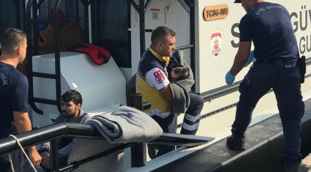 Sahil Güvenlik 39 düzensiz göçmeni boğulmaktan kurtardı