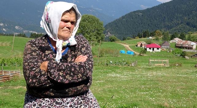 Şehit Eren Bülbülün annesinden HDP önünde eylem yapan annelere destek