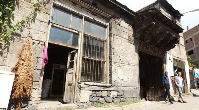 Tarihi kervan yollarının konak merkezi: Komesli Hanı