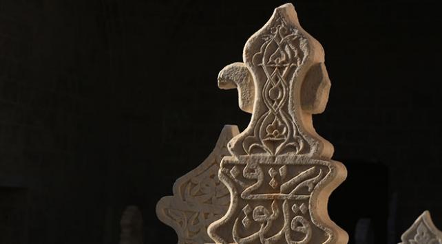 Tarihi mezar taşları Muğladaki müzede sergileniyor