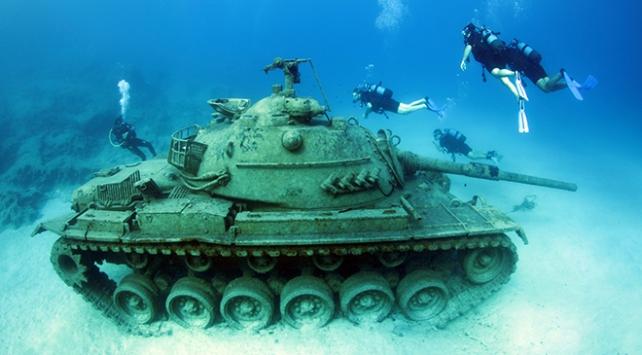 Akdenizin derinliklerindeki tank ilgi görüyor