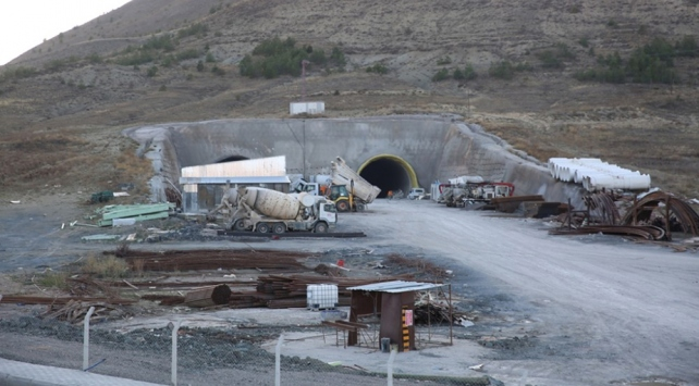 6,5 kilometrelik Vauk Tünelinde sona yaklaşıldı