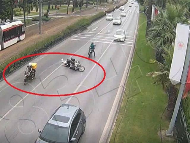Trafikte sohbet kaza ile sonuçlandı