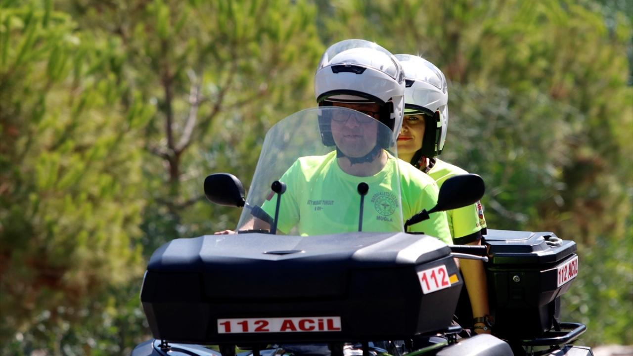 Sahillerin ATV motorlu 112 Acil Servis ekibi hayat kurtarıyor