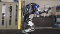 Dünyanın en dinamik insansı robotu Atlas