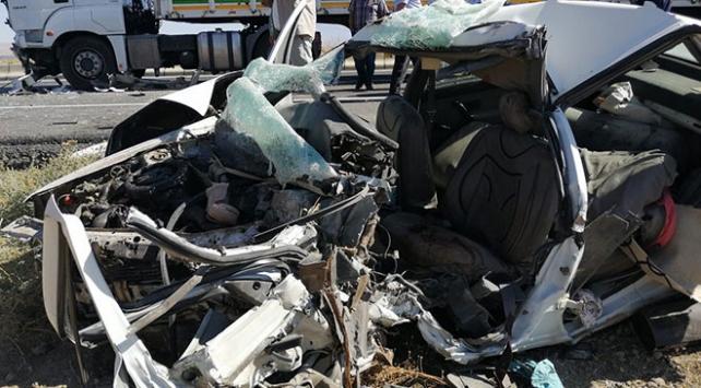 Ahlat-Tatvan Karayolunda kaza: 3 ölü, 3 yaralı