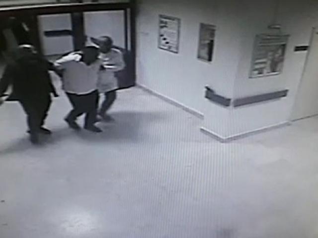 Doktor kıyafeti giyen polisler, suçüstü yaptı