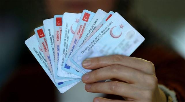 Bir yılda 2 bin 611 yabancı yatırımcı Türk vatandaşı oldu