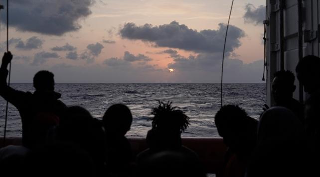 Libya açıklarında 50 düzensiz göçmeni taşıyan tekne battı