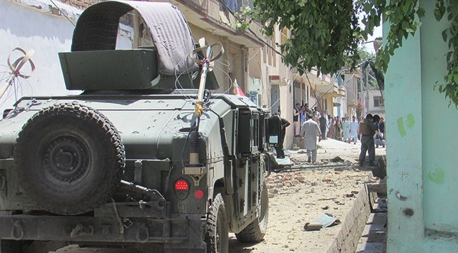 Afganistanda seçim günü 68 saldırı düzenlendi