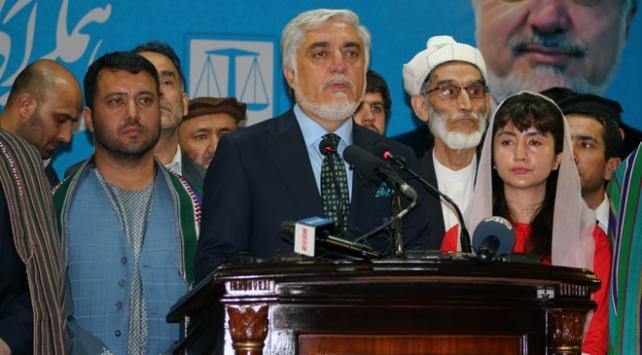 Afganistanda seçim sonrası adaylardan ben kazandım açıklamaları