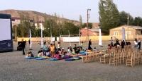 Doğu Anadolu'da 30 bin çocuk sinemayla buluştu