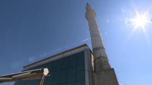 Depremde hasar gören İsmail Kocatürk Camii'nin minaresi yıkılacak