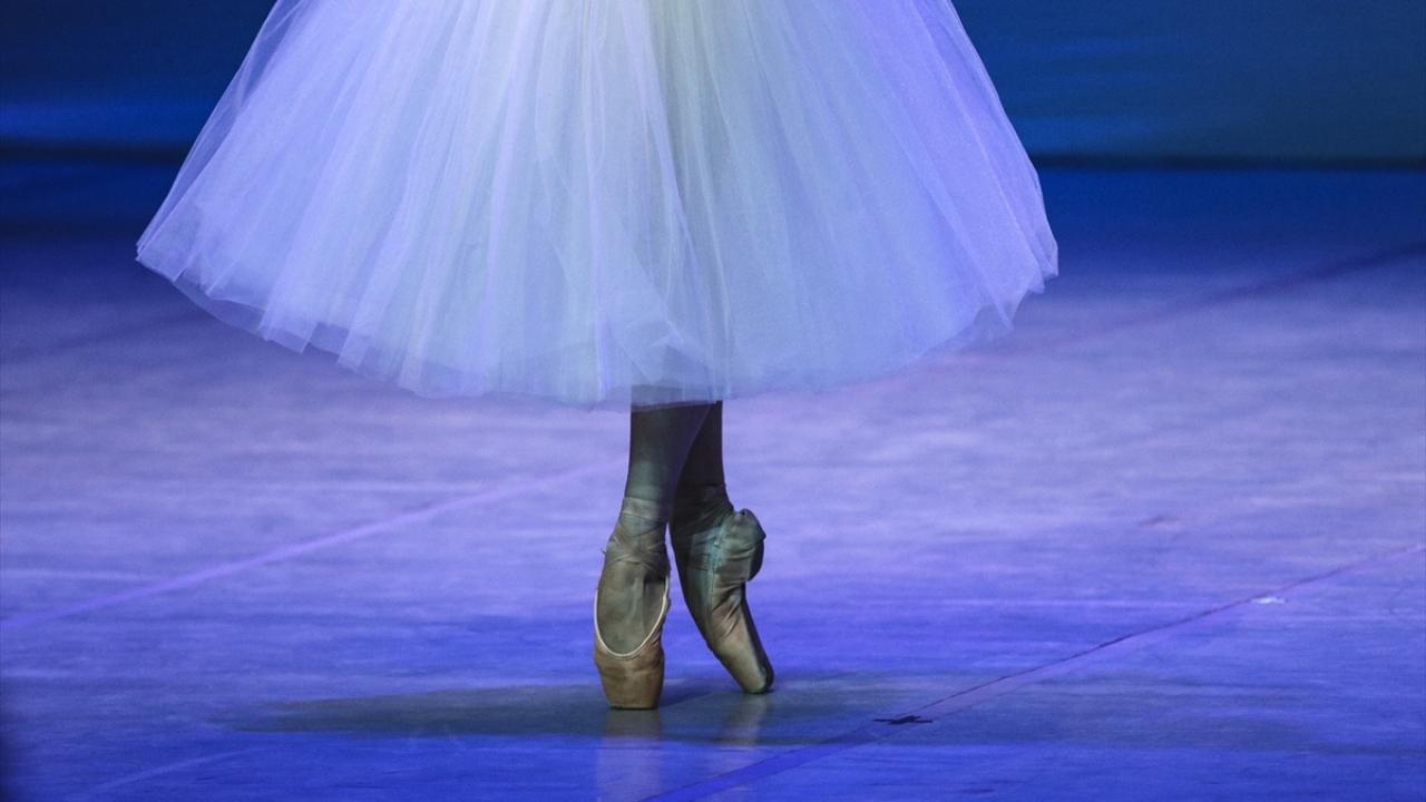 Çin Suzhou Balesi başkentlilerle buluştu