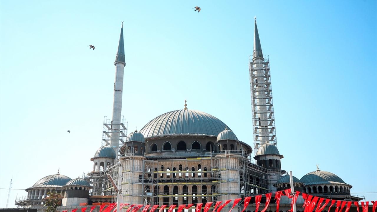 Taksim Camisinin ince işçiliğinin yüzde 35i tamamlandı