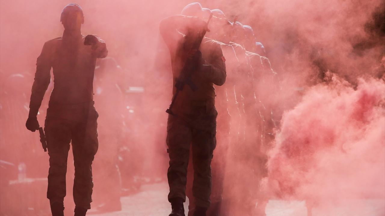 İzmirde 482 sözleşmeli subay adayı yemin etti