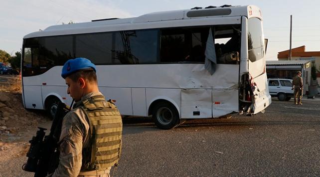 Şanlıurfada askeri midibüs ile tır çarpıştı: 1 şehit, 14 asker yaralı