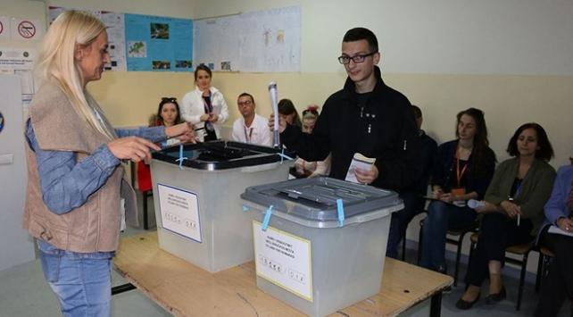 Kosovada halk sandık başında
