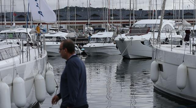 Lüks tekneler Boat Show Fuarında