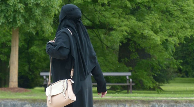 BMden Hollandaya burka eleştirisi