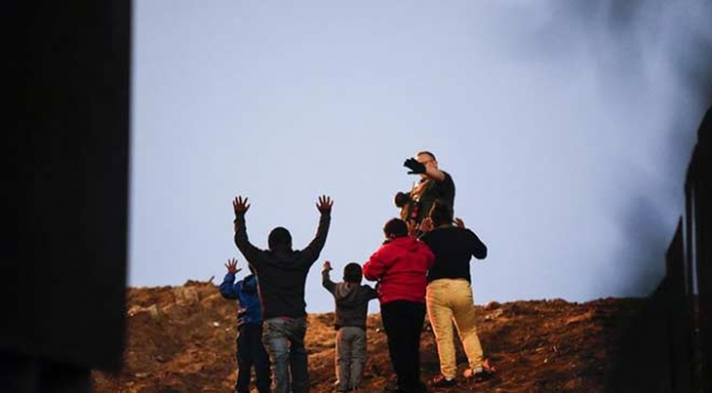 ABDMeksika sınırında 1 milyon yasa dışı göçmen yakalandı