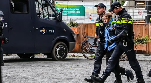 Hollandada iklim değişikliğine karşı eylem: 40 gözaltı