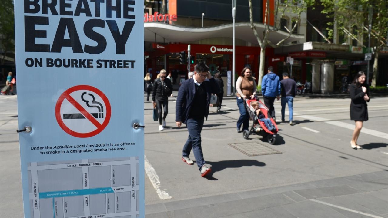 Avustralyanın ünlü caddesinde sigara içmek yasaklandı