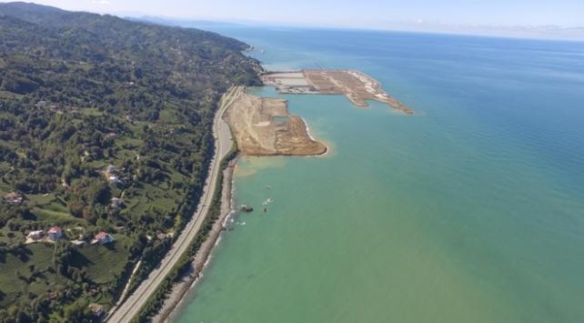 Rize-Artvin Havalimanının yarıya yakını tamamlandı
