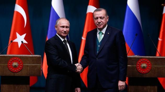 Cumhurbaşkanı Erdoğan Putin ile Fıratın doğusunu görüştü