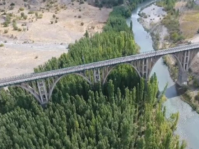 280 metre uzunluğundaki Göksu Viyadüğü 90 yıldır ayakta