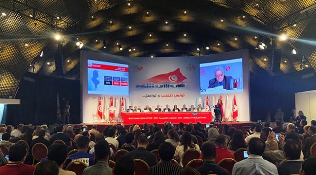 Tunusta parlamento seçimlerinin ilk resmi sonuçları açıklandı
