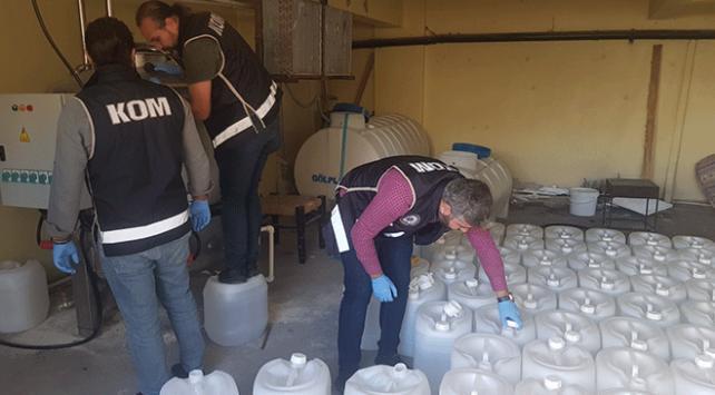 İstanbulda 5 ton metil alkol ele geçirildi