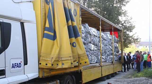 Türkiyeden Arnavutluktaki depremzedelere yardım